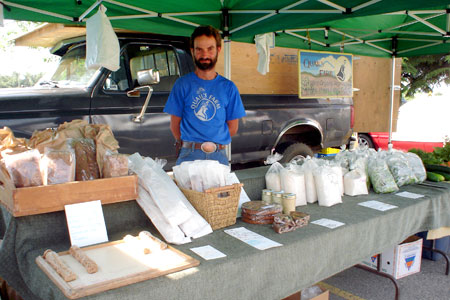 Kelowna Farmers' and Crafters' Market: Quail's Farm