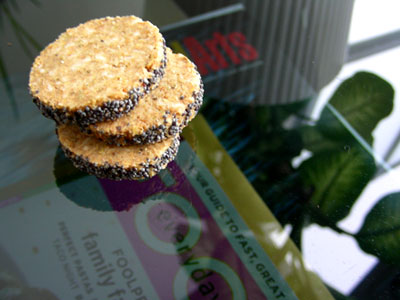 Rosemary Oat Cakes with poppy-seeds
